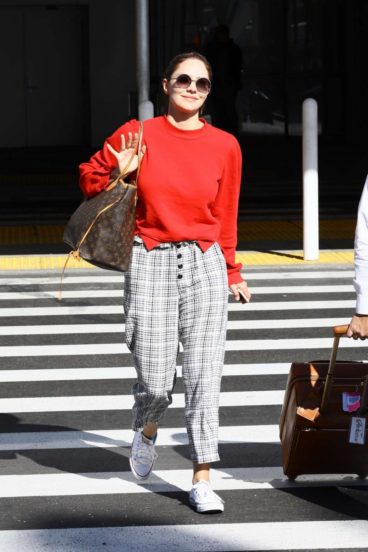 Katharine McPhee Outside at LAX Airport in Los Angeles International Airport 2019/11/09 10