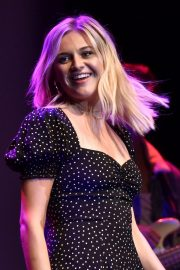Kelsea Ballerini performs 2019 Live in the Vineyard at the Uptown Theatre in Napa 2019/11/02 4