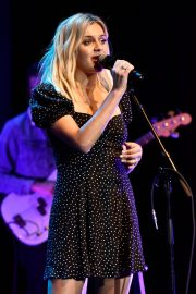 Kelsea Ballerini performs 2019 Live in the Vineyard at the Uptown Theatre in Napa 2019/11/02 5