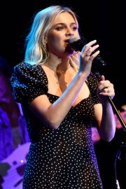 Kelsea Ballerini performs 2019 Live in the Vineyard at the Uptown Theatre in Napa 2019/11/02 6