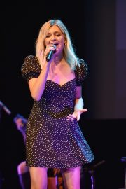 Kelsea Ballerini performs 2019 Live in the Vineyard at the Uptown Theatre in Napa 2019/11/02 7