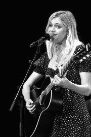 Kelsea Ballerini performs 2019 Live in the Vineyard at the Uptown Theatre in Napa 2019/11/02 9