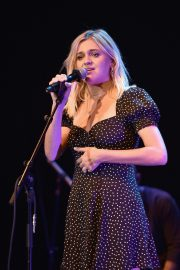 Kelsea Ballerini performs 2019 Live in the Vineyard at the Uptown Theatre in Napa 2019/11/02 12