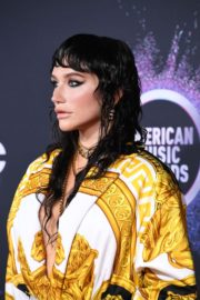Kesha attends 2019 American Music Awards at Microsoft Theater in Los Angeles 2019/11/24 2