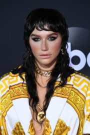 Kesha attends 2019 American Music Awards at Microsoft Theater in Los Angeles 2019/11/24 5