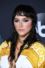 Kesha attends 2019 American Music Awards at Microsoft Theater in Los Angeles 2019/11/24 6
