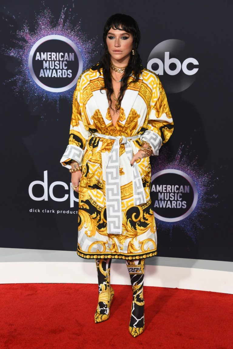 Kesha attends 2019 American Music Awards at Microsoft Theater in Los Angeles 2019/11/24 11