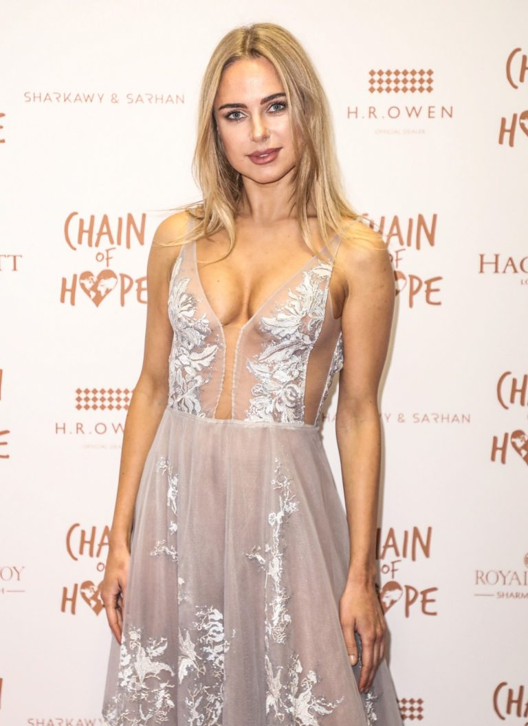 Kimberley Garner attends Chain of Hope Ball in London 2019/11/22 2
