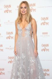 Kimberley Garner flashes her cleavage at Chain of Hope Ball in London 2019/11/22 10