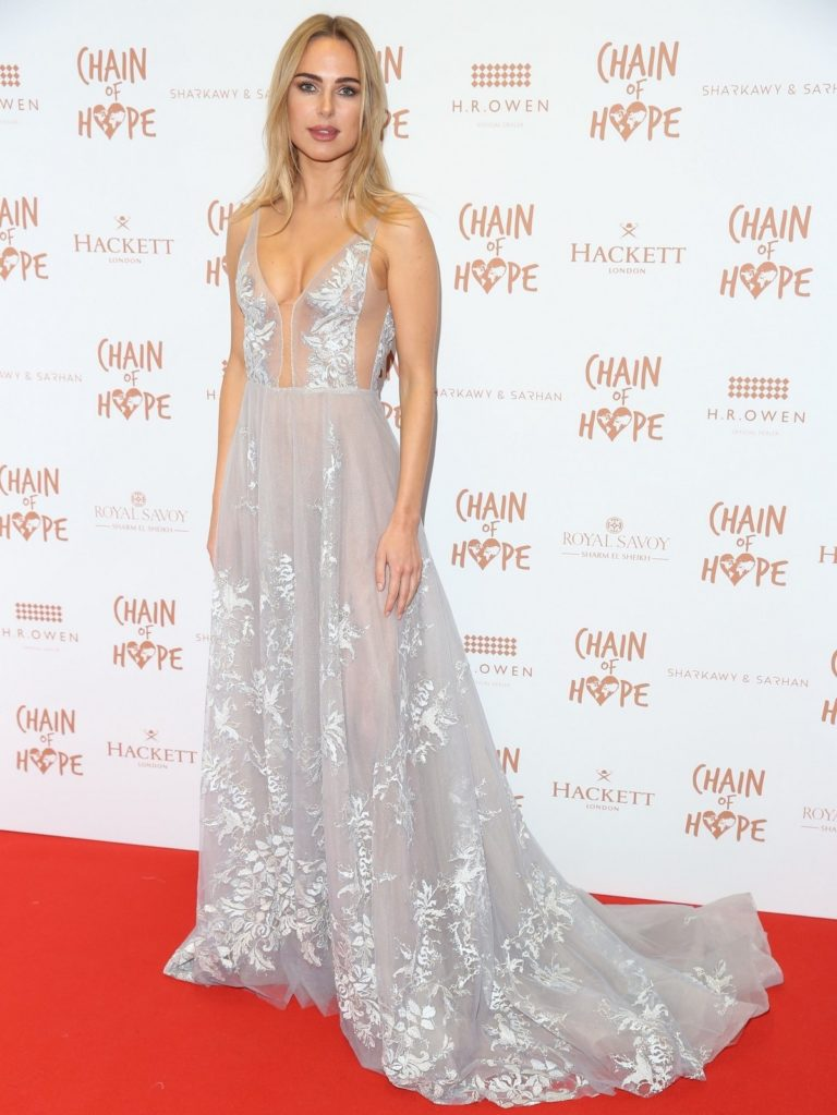 Kimberley Garner flashes her cleavage at Chain of Hope Ball in London 2019/11/22 16