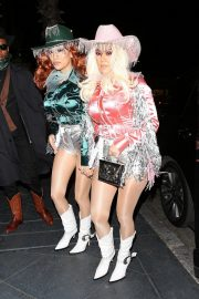 Kourtney Kardashian arrives at Kendall's Haloween Party in Beverly Hills 2019/10/31 4