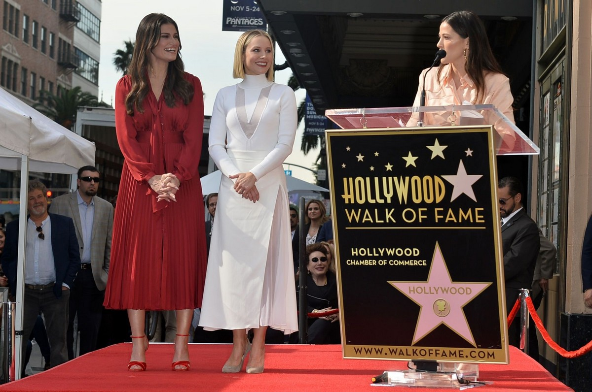 Kristen Bell honored with a stars on the Hollywood Walk of Fame in Hollywood 2019/11/19 1
