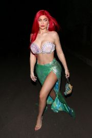Kylie Jenner arrives 'The Little Mermaid' for a Halloween party in Beverly Hills 2019/10/31 1