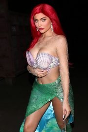 Kylie Jenner arrives 'The Little Mermaid' for a Halloween party in Beverly Hills 2019/10/31 2