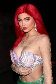 Kylie Jenner arrives 'The Little Mermaid' for a Halloween party in Beverly Hills 2019/10/31 5