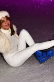 Lizzie Cundy enjoys Natural History Museum Ice Rink Launch Party in London 2019/10/23 7