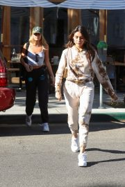 Madison Beer and friend Isabella Jones out for lunch in Beverly Hills 2019/10/31 1