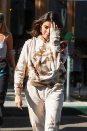 Madison Beer and friend Isabella Jones out for lunch in Beverly Hills 2019/10/31 5