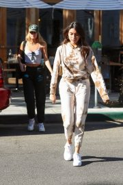 Madison Beer and friend Isabella Jones out for lunch in Beverly Hills 2019/10/31 7