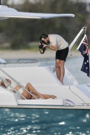 Pamela Anderson poses in swimsuit photoshoot on the Gold Coast in Australia 2019/11/27 7