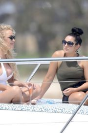 Pamela Anderson poses in swimsuit photoshoot on the Gold Coast in Australia 2019/11/27 9