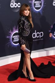 Paula Abdul attends 2019 American Music Awards in Los Angeles 2019/11/24 8