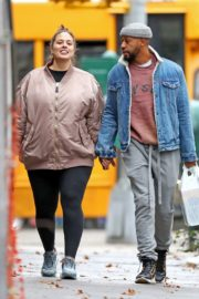 Pregnant Ashley Graham shows Her Baby Bump out with Her Husband Justin Ervin in New York City 2019/11/23 1