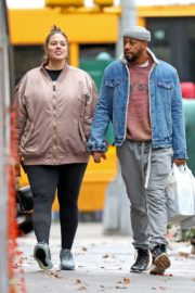 Pregnant Ashley Graham shows Her Baby Bump out with Her Husband Justin Ervin in New York City 2019/11/23 2