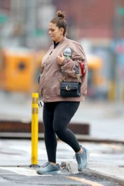 Pregnant Ashley Graham shows Her Baby Bump out with Her Husband Justin Ervin in New York City 2019/11/23 5