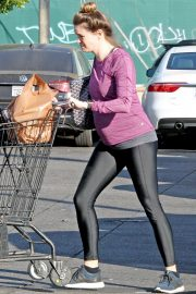 Pregnant Danielle Panabaker grocery shopping out in Hollywood 2019/11/08 7