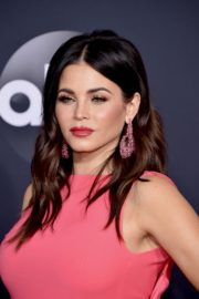 Pregnant Jenna Dewan attends 2019 American Music Awards at Microsoft Theater in Los Angeles 2019/11/24 5