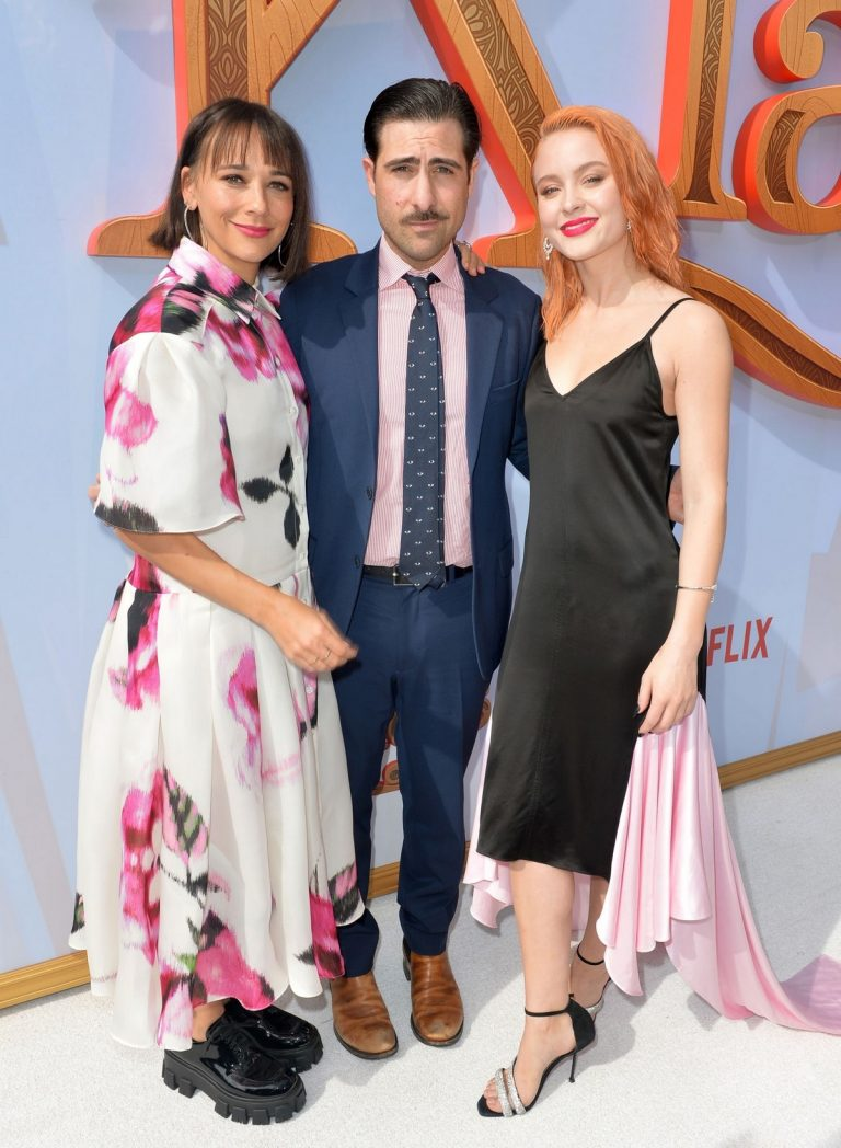 "Rashida Jones, Jason Schwartzman and Zara Larsson attends Premiere of Netflix's ""Klaus"" at Regency Village Theatre 2019/11/02 1"