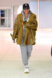 Rihanna in Stylish Jacket leaves at the airport in Teaneck, New Jersey 2019/11/29 1