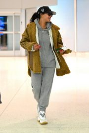 Rihanna in Stylish Jacket leaves at the airport in Teaneck, New Jersey 2019/11/29 7