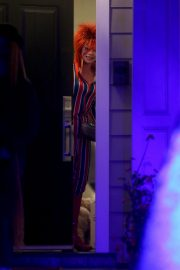 Sarah Hyland seen Halloween 2019 costumes or Treaters in Los Angeles 2019/10/31 2