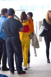 Selena Gomez arrives at JFK Airport in New York 2019/10/30 6
