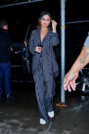 Selena Gomez arrives at La Esquina for dinner with Goodbye Honolulu in New York 2019/10/29 2