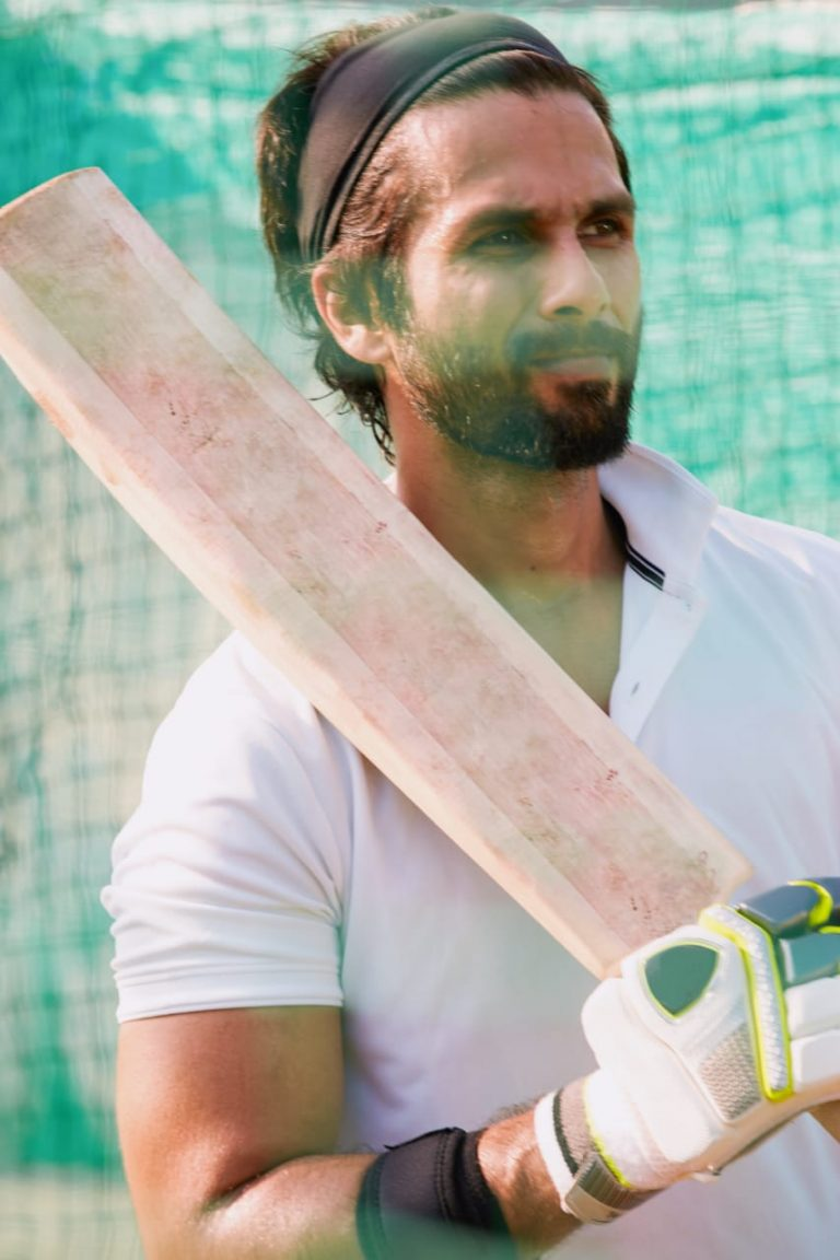 Shahid Kapoor to play cricketer in Hindi remake of Telugu film Jersey 1
