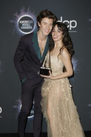 Shawn Mendes and Camila Cabello attend 2019 American Music Awards at Microsoft Theater in Los Angeles 2019/11/24 2