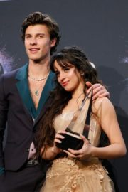 Shawn Mendes and Camila Cabello attend 2019 American Music Awards at Microsoft Theater in Los Angeles 2019/11/24 15