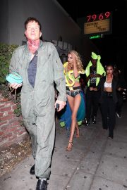 Stella Maxwell arrives to Drake's Halloween Party at Delilah in West Hollywood 2019/10/31 13