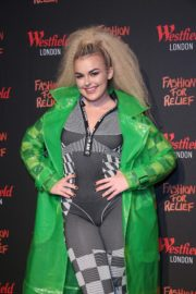 Tallia Storm attends Fashion For Relief pop-up store at Westfield London 2019/11/26 8