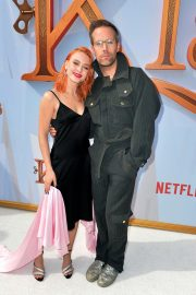 """Zara Larsson and Justin Tranter attends Premiere of Netflix's """"Klaus"""" in Westwood 2019/11/02 1"""