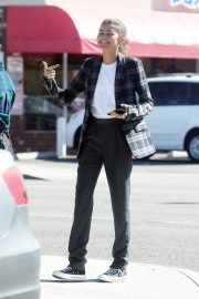 Zendaya Out for a business meeting in Burbank 2019/10/31 1