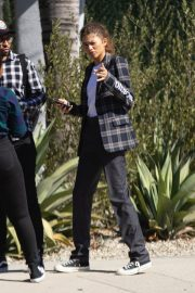 Zendaya Out for a business meeting in Burbank 2019/10/31 7