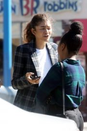 Zendaya Out for a business meeting in Burbank 2019/10/31 12