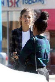 Zendaya Out for a business meeting in Burbank 2019/10/31 21