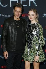 Adam Levy and Freya Allan attend The Witcher Photocall in Hollywood 2019/12/03 1