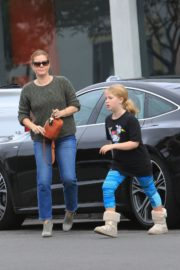 Amy Adams and her daughter Aviana Olea Le Gallo Out in West Hollywood 20191/12/08 2