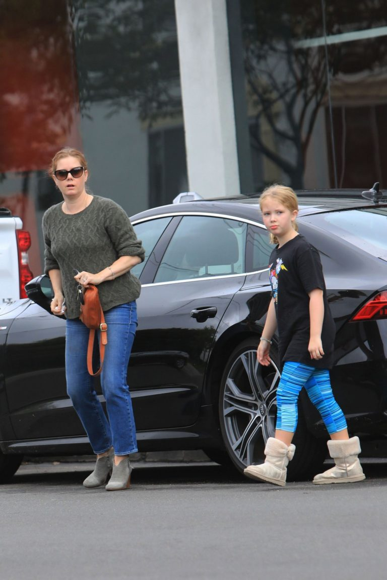 Amy Adams and her daughter Aviana Olea Le Gallo Out in West Hollywood 20191/12/08 3